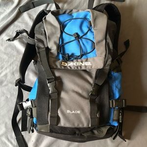 Dakine Blade Snowboard/Hiking Backpack